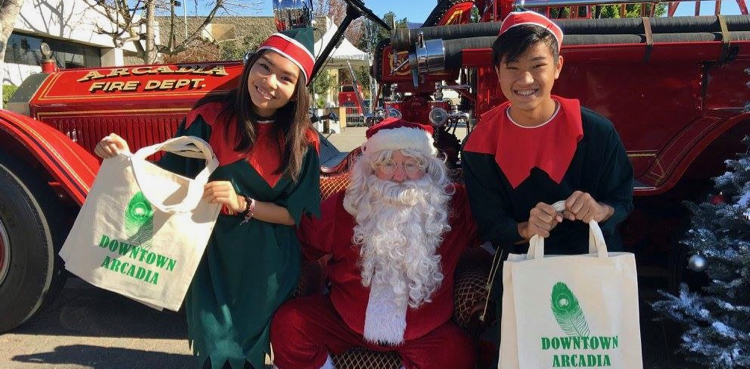 Christmas shopping with Santa in Arcadia